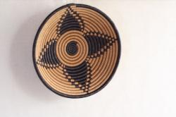 ルワンダ バスケット